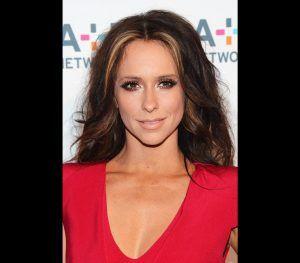 famosos com perturbação obsessiva compulsiva Jennifer love hewitt